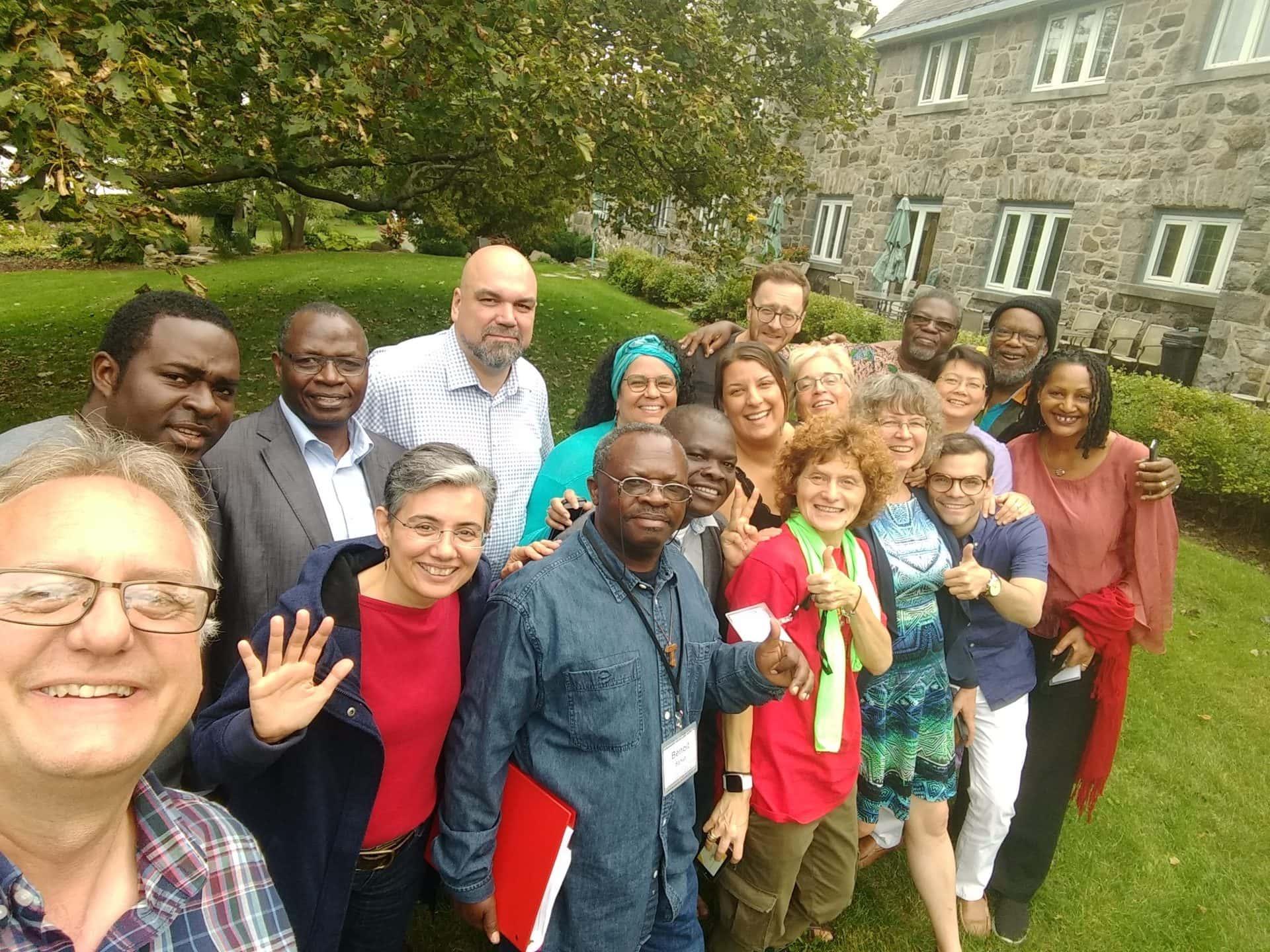 """Group picture of participants in our first French language only program in Montreal, """"Célébrons nos diversités! Le défi de l'interculturalité dans nos ministères: de Babel à la Pentecôte"""""""